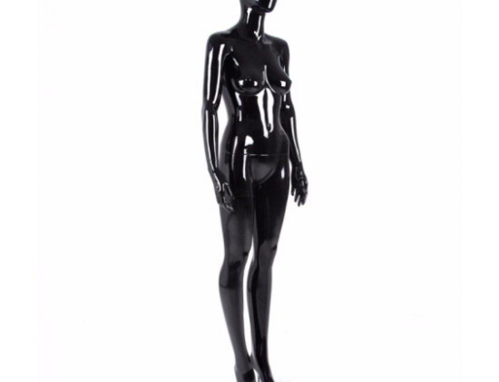 Ladies and GentleMan-nequins, Tell Us Your Story — Best Use of Mannequins in Seasonal Displays